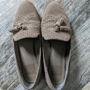 Dolce Vita beige tassal loafers size 9